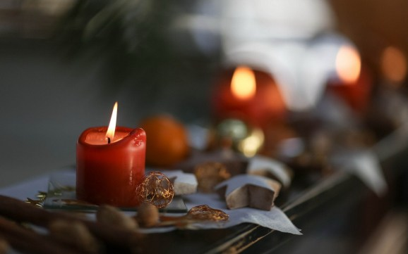 holiday-candles-close-up-wallpaper-44450-45576-hd-wallpapers